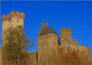 {#castle-2001060_1920}