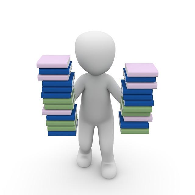 {#books-1015593_640}