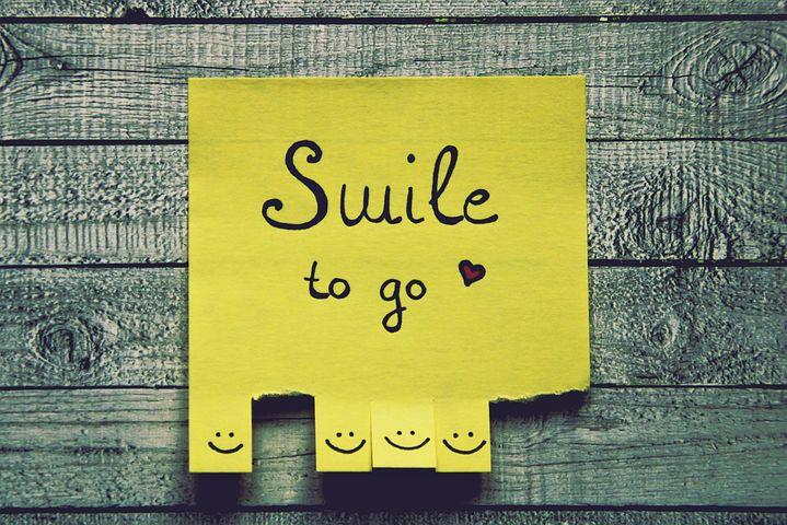 {#smile-4028053__480}